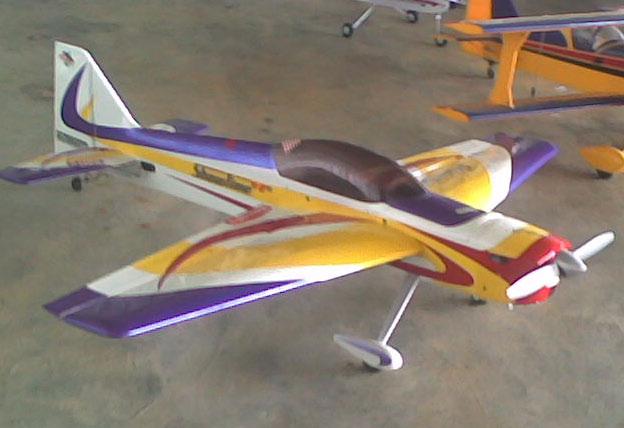 En hierdie vliegtuig kon nie opstyg nie, want blykbaar was die enjins